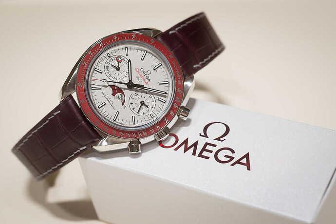omega-speedmaster-moonwatch-platinum