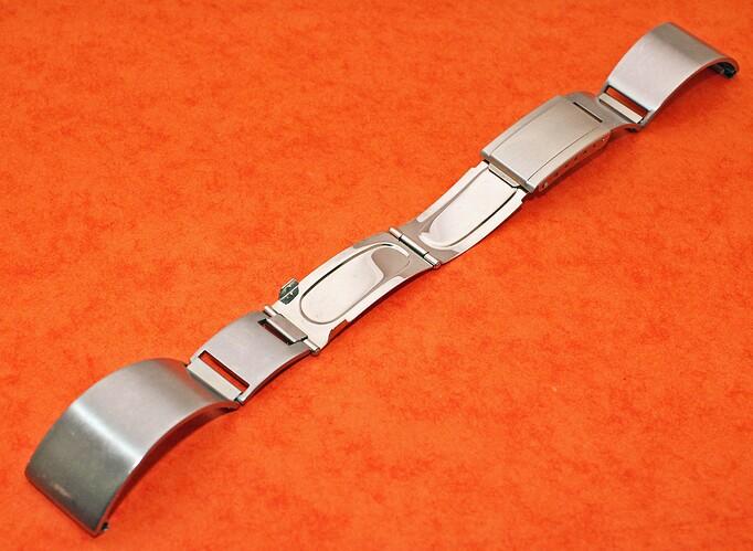 vintage-motorcycle-watch-curved-stainless-steel-bracelet-20mm-endlinks