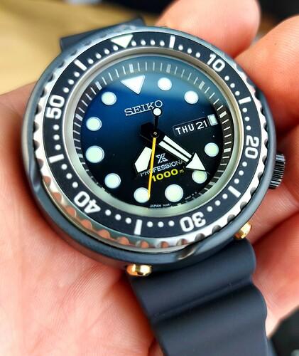 seiko-1986-quartz-divers-35th-anniversary-limited-s23635j1 -1
